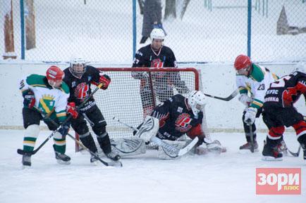 Добрянские хоккеисты не смогли выйти из группы