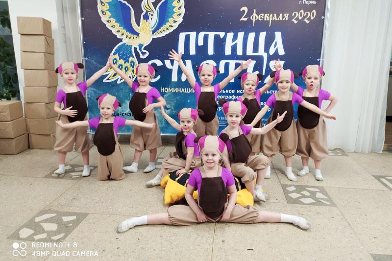 Воспитанники детского танцевального коллектива «Светлячок» из Полазны