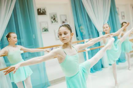 Мечтает о балетной школе