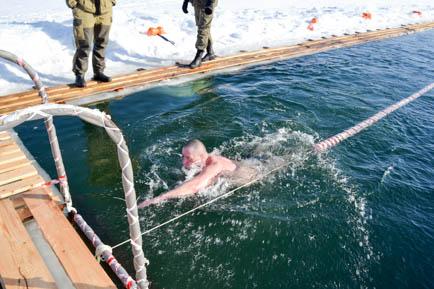 Добрянские и их гости моржи отметили 23 февраля