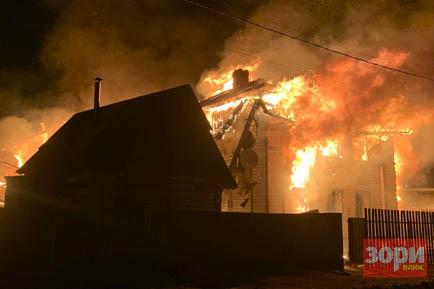 В Добрянке огонь уничтожил два дома