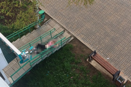 В Добрянке девушка упала с пятого этажа