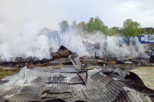 В Добрянском округе сгорел магазин