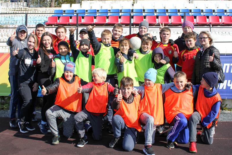Воспитанники клуба «Дивья» разных возрастов – неизменные участники многих футбольных соревнований. Команду постоянно сопровождает группа поддержки.