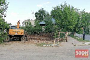 В Добрянке снесли  аварийный дом