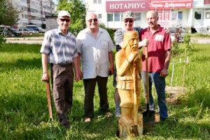 Скульптуры от общественников