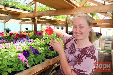 Жительница села Перемского выращивает тысячи цветов