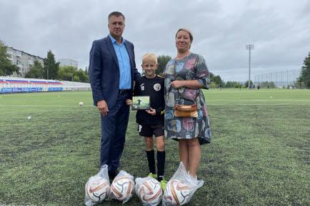 Добрянского футболиста наградил президент