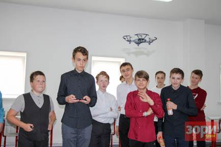 Квадрокоптеры для добрянских школьников
