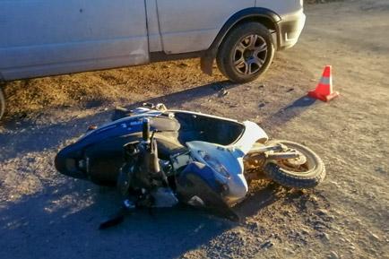 В деревне Залесная подросток на скутере попал в ДТП